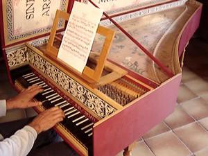 История создания фортепиано: от клавикорда к современному роялю, Музыкальный класс